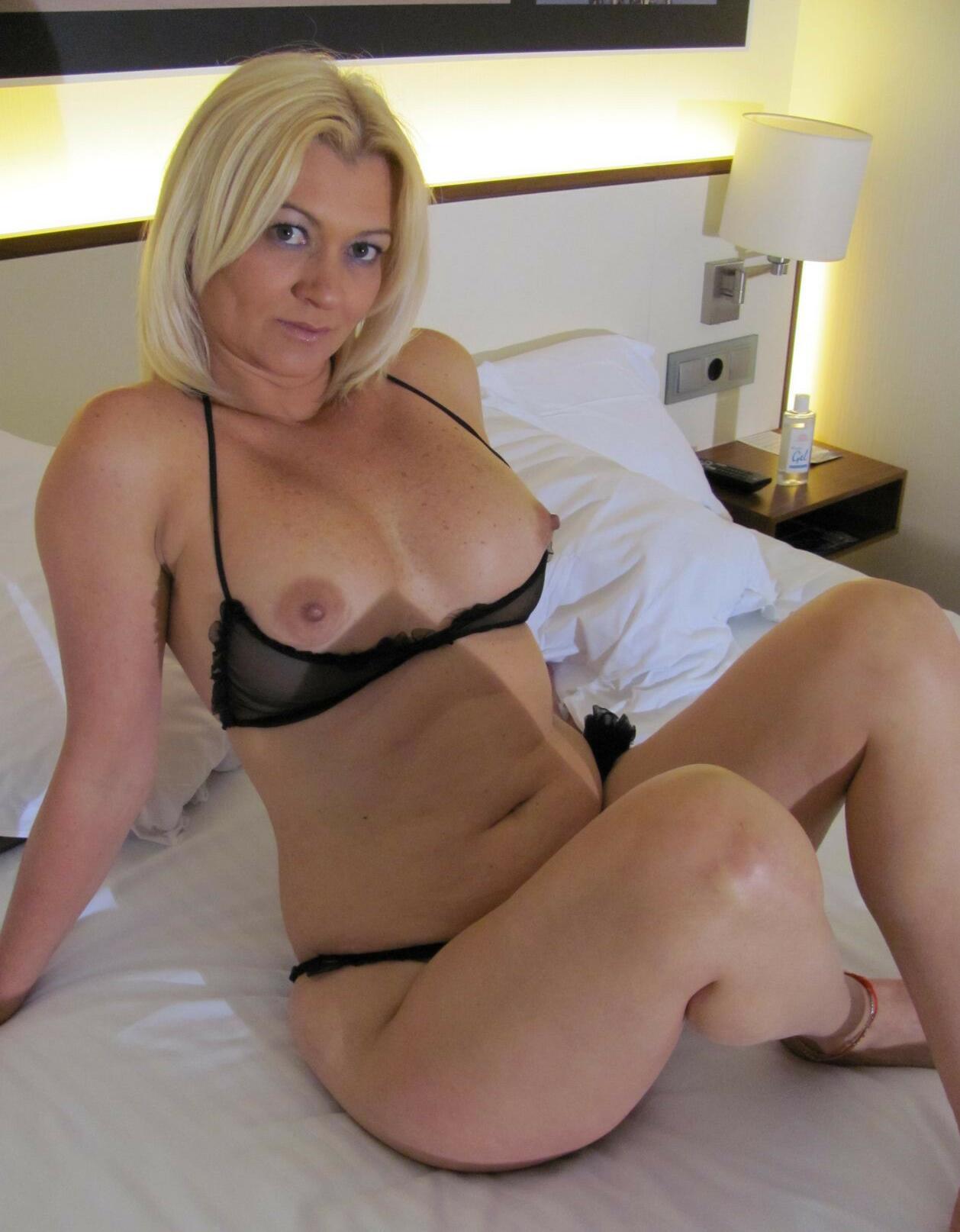 image Sexy blonde milf heidi enjoys a facial cumshot